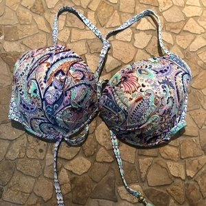 NWOT Victoria's Secret push-up bikini top